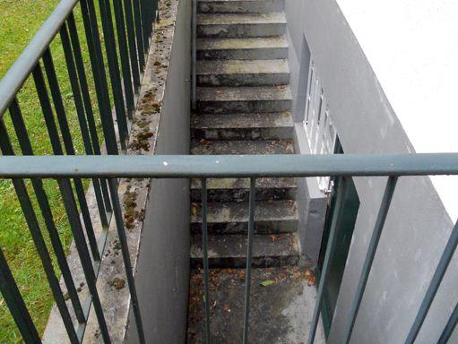 Undichte Kellertreppe außen