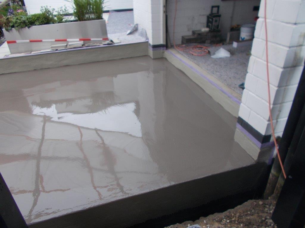 Neue Bodenplatte Garage